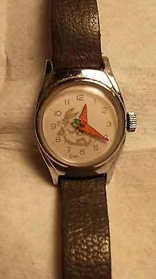 BUGS BUNNY WATCH 1960s WITH CARROT HANDS VERY RARE RUNS