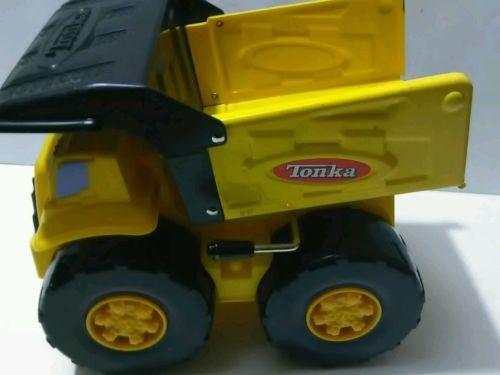 Yellow Tonka  Construction Dump Truck Big Wheels