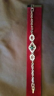 Vintage Look Fashion Jewelry Bracelet. Gold, red and green.