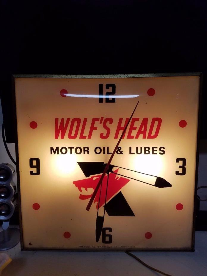 Rare 1960's Wolfs Head Motor Oil Bubble Glass Clock Sign