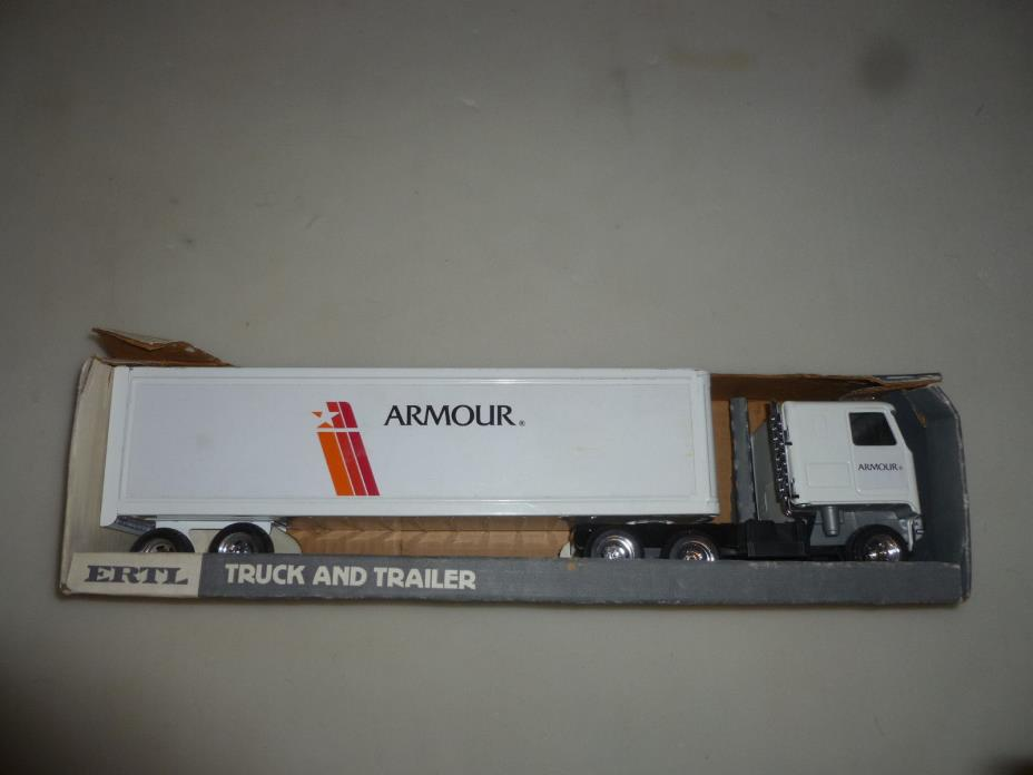 NEW IN BOX ERTL ARMOUR TRUCK AND TRAILER  CHEVY TITAN CAB REPLICA VINTAGE 1970S