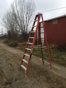 10' Fiberglass Werner Step Ladder 10 Foot 300 LBS (Green bay)