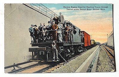 VINTAGE POSTCARD -ELECTRIC ENGINE USED FOR HAULING TRAINS, DETROIT, MICHIGAN