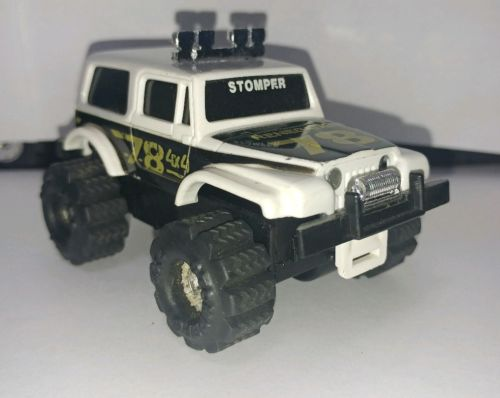 Schaper Stomper II Jeep Renegade in VGUC! Runs with lights