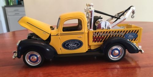 1940 Ford Tow Truck Bank