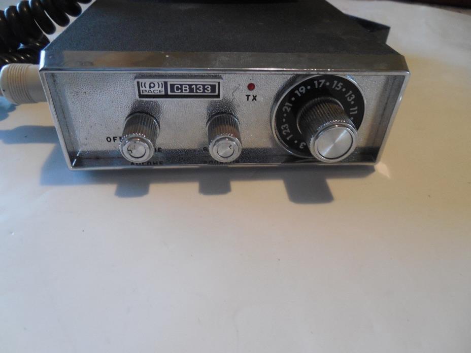 Vintage Pace CB133 Mobile CB Radio w/ Mic