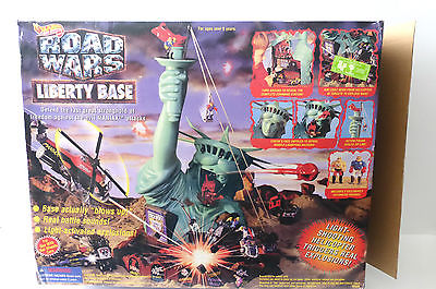 Hot Wheels Road Wars Liberty Base Battle Toy Set