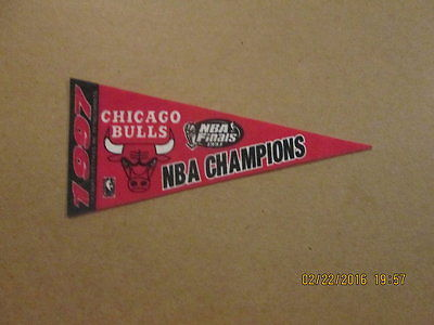NBA Chicago Bulls Vintage 1997 NBA Champs Mini Pennant