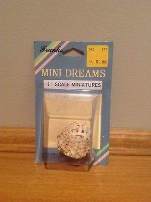 Vintage Mini Dreams Sewing Basket 1:12 Scale Miniatures