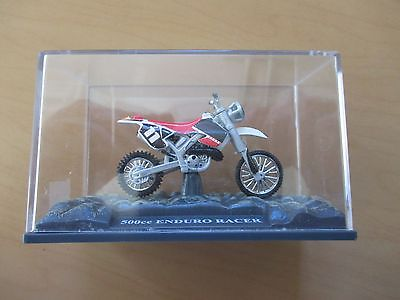 500cc ENDURO RACER DIECAST MOTORCYCLE/DISPLAY CASE