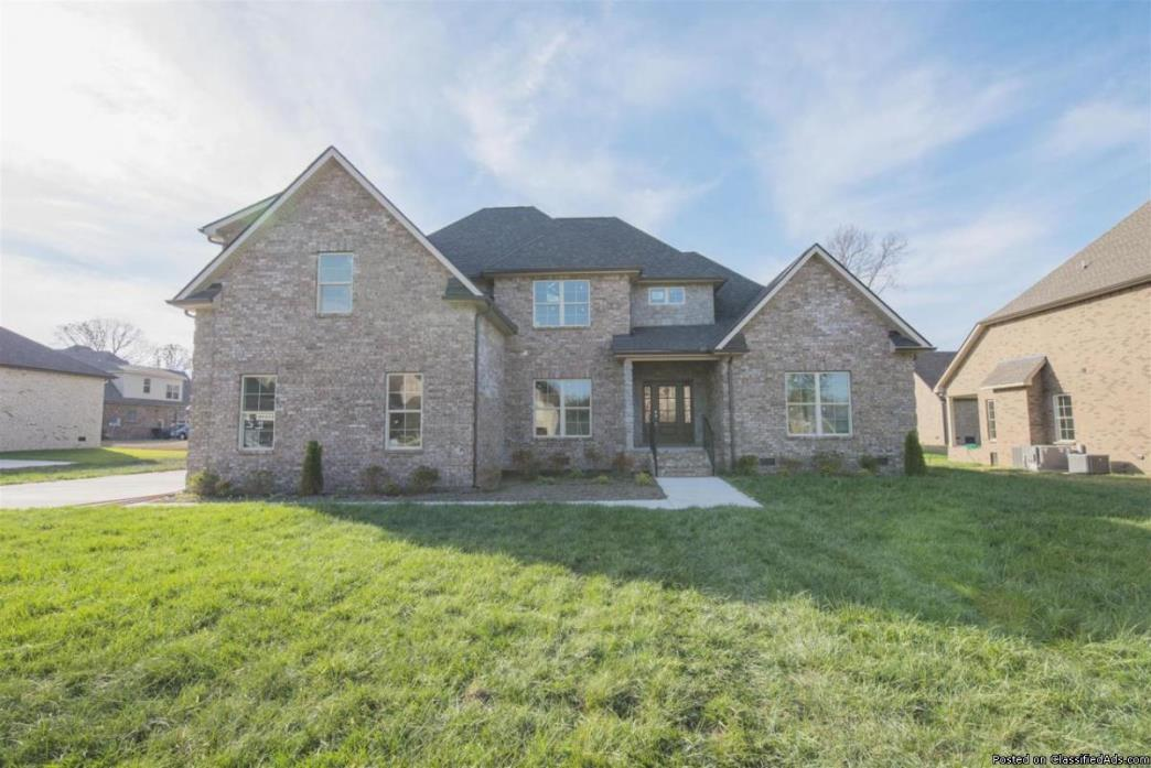 MUST SEE!! 4br 3ba w/ Great Features!
