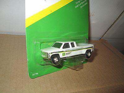 1:64 John Deere dealer ship chevy 1 ton dually 3500  Pickup Truck   1995 1996