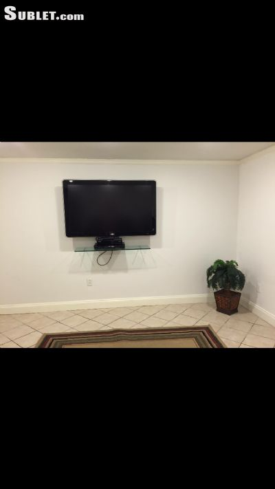 $850 Three room for rent in Stamford
