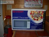 COLLEGE? NEW MICROWAVE W quot; TURNTABLE, IN BOX