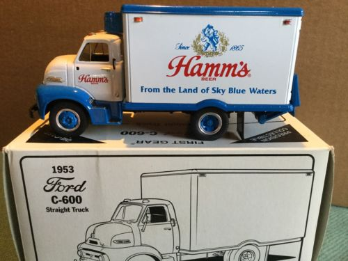 VERY RARE - 1953 HAMMS BEAR BEER 29-1480 Truck - First Gear FORD C600