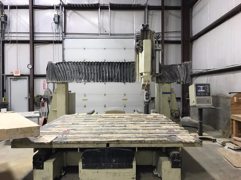 CIS/Quintax 5 Axis Router