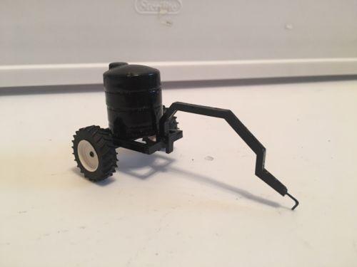 1/64 Custom Farm Toy Montag  Liquid Tender Cart