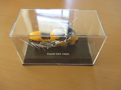 SUZUKI GSX 1300R DIECAST MOTORCYCLE/DISPLAY CASE