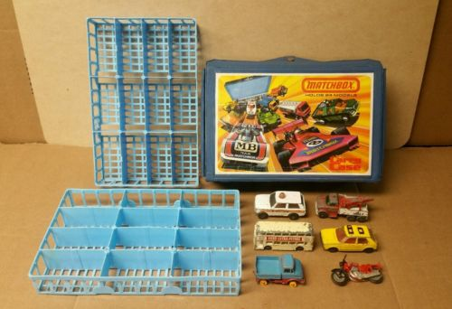 1976 Matchbox Lesney Carry Case with 6 Lesney Vehicles