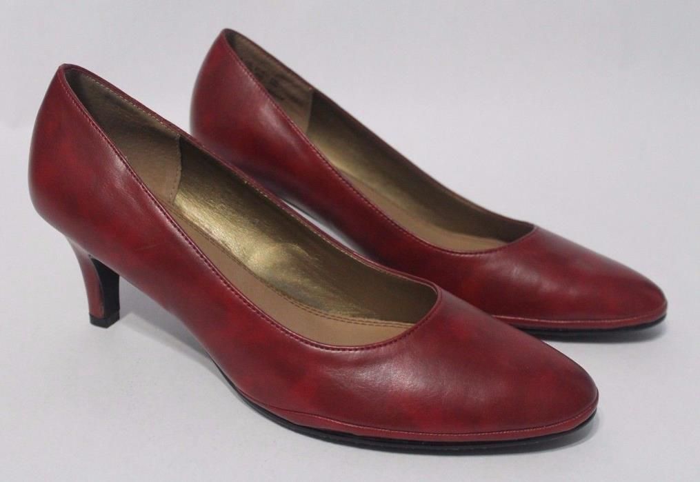 HUSH PUPPIES SOFT STYLE women's SIZE 8.5M RED LEATHER KITTEN HEELS SHOES *MINT*