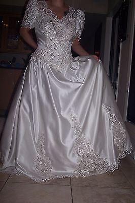 FOREVER YOURS INTERNATIONAL WEDDING  DRESS, SIZE: 18