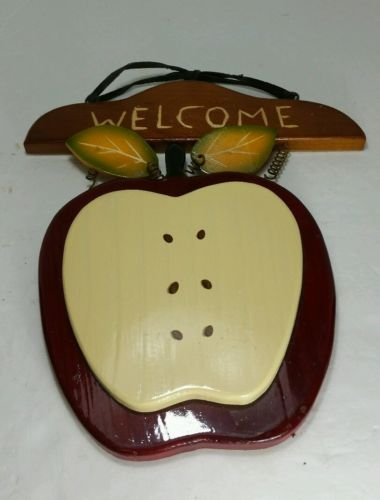 apple welcome wall hanger
