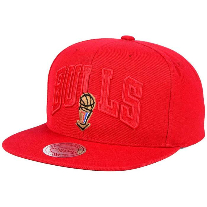 Mitchell and Ness NBA Chicago Bulls 1996 Jersey Hook Snapback Cap/Hat Red/Red