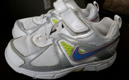 Girls Pre-School / Toddler Nike athletic shoes SIZE 10C