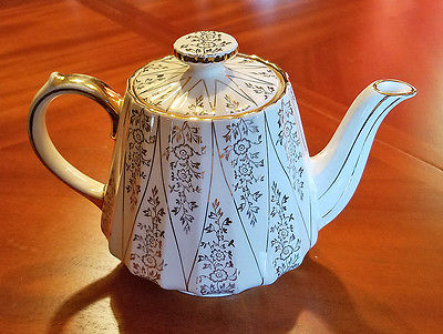 Cream and Gold Sadler Teapot