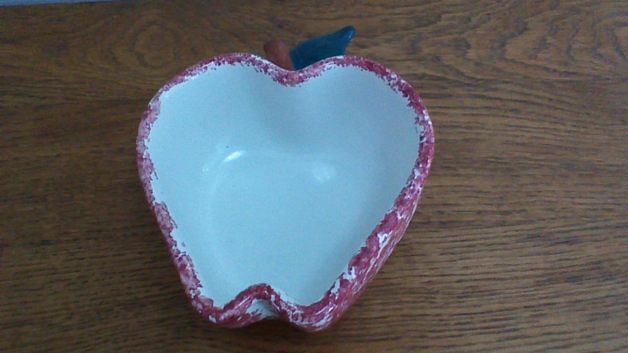 Chapparal Pottery Apple Dish, USA