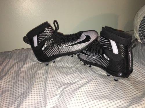 Nike skin Football Cleats Men's Size 12.5