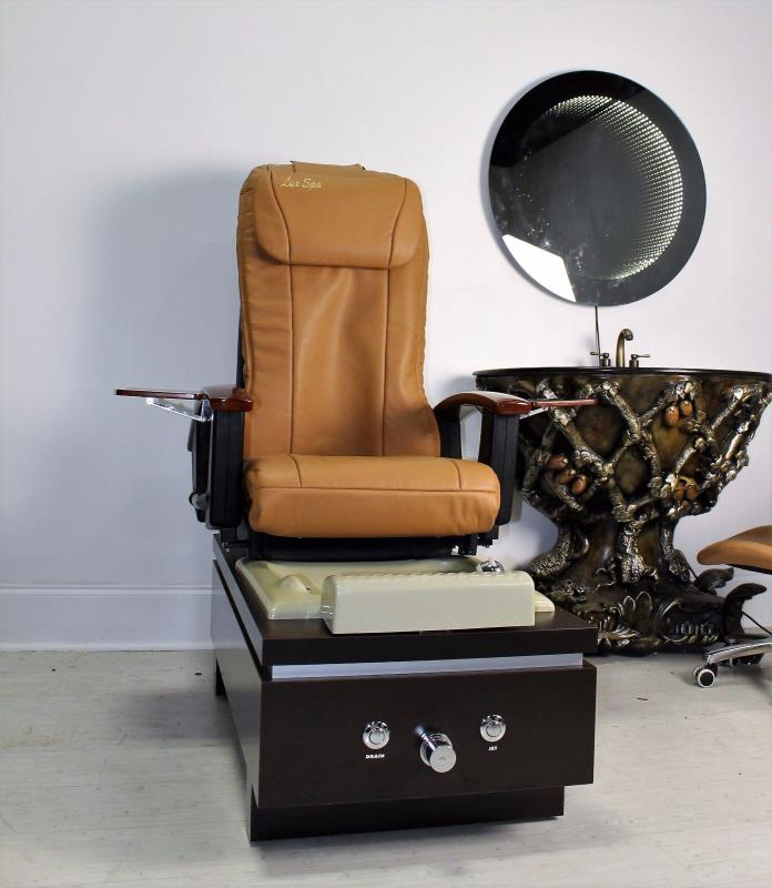 t4 Katai Pedicure Spa Chair w/ BRAND NEW Leather & Matching Technician Stool