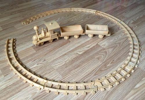 Vintage Hard Plastic LIONEL Train Set & Track For Kids -