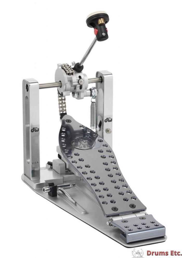 Drum Workshop Machined Chain Drive Single Pedal w/Bag DWCPMCD *
