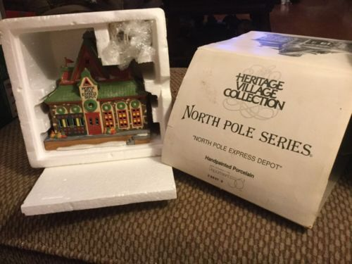 Dept 56 North Pole ~ North Pole Express Depot ~ Mint In Box 56278
