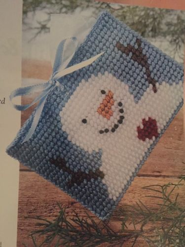 Snowman With Heart Tissue Holder Plastic Canvas Pattern New