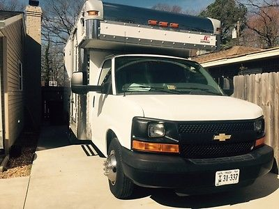 CHEV 2010 3500 EXPRESS BOX TRUCK W/CARPET/TILE CLEAN TRUCK MOUNT