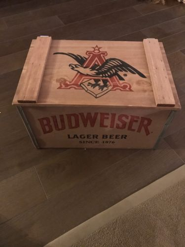Vintage Style Budweiser Box/crate Plus Budweiser Glass Set