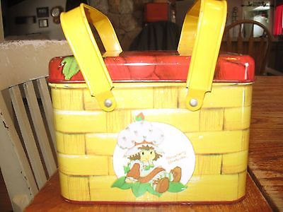 VINTAGE STRAWBERRY SHORTCAKE TIN PICNIC EASTER BASKET Cheinco