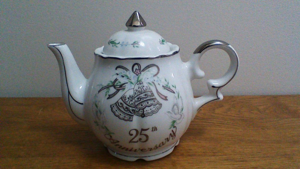 Lefton 25th  Anniversary Musical Teapot