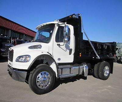 2017 FREIGHTLINER M2106 Dump Trucks