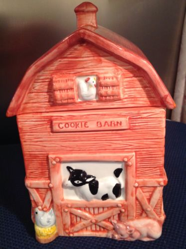 COOKIE BARN WITH COW, PIG & CHICKEN