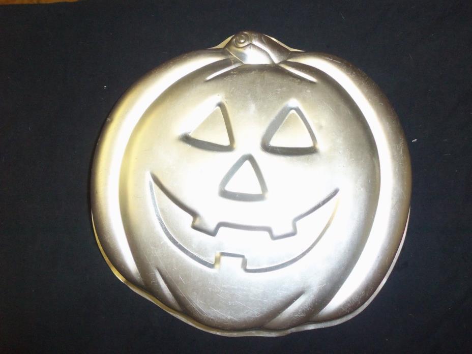 WILTON 1981 PUMPKIN  CAKE PAN