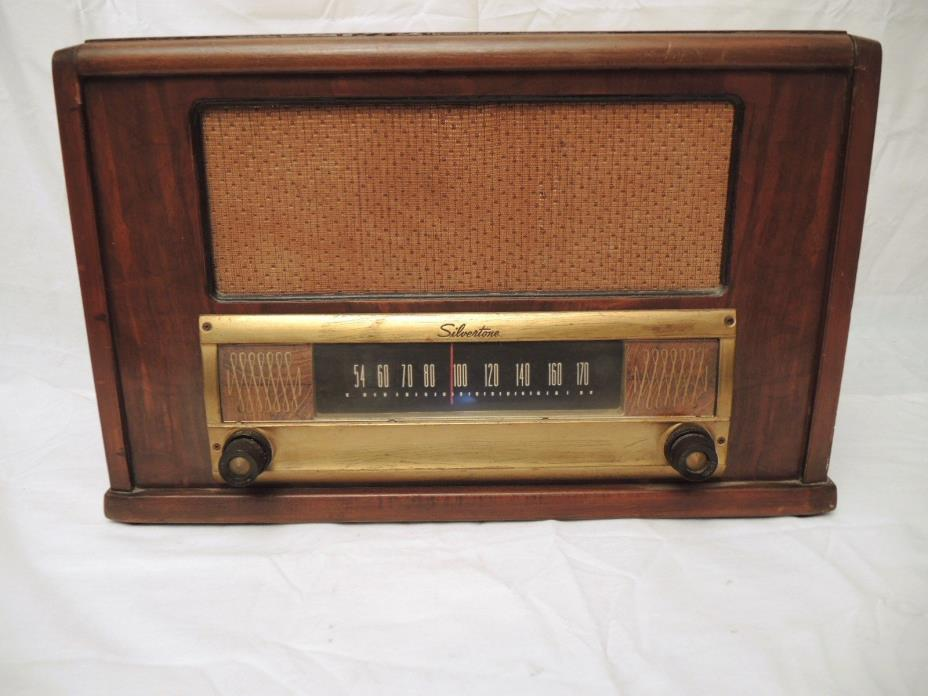 ANTIQUE SEARS-ROEBUCK SILVERTONE  TABLE TOP  AM TUBE  FARM RADIO  17 X 11 X 11