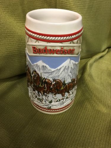 1985 BUDWEISER CHRISTMAS HOLIDAY COLLECTOR BEER STEIN A Series