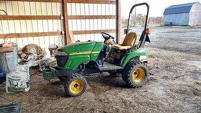 2006 John Deere 2305 Tractors