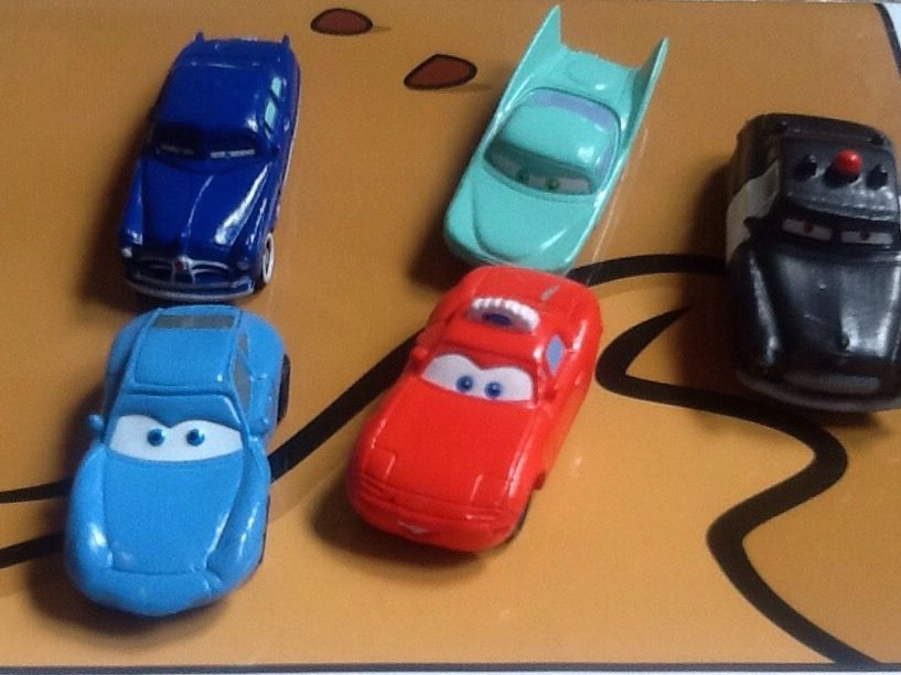 Cars Movie Play Set Includes 5 Cars And Playmat