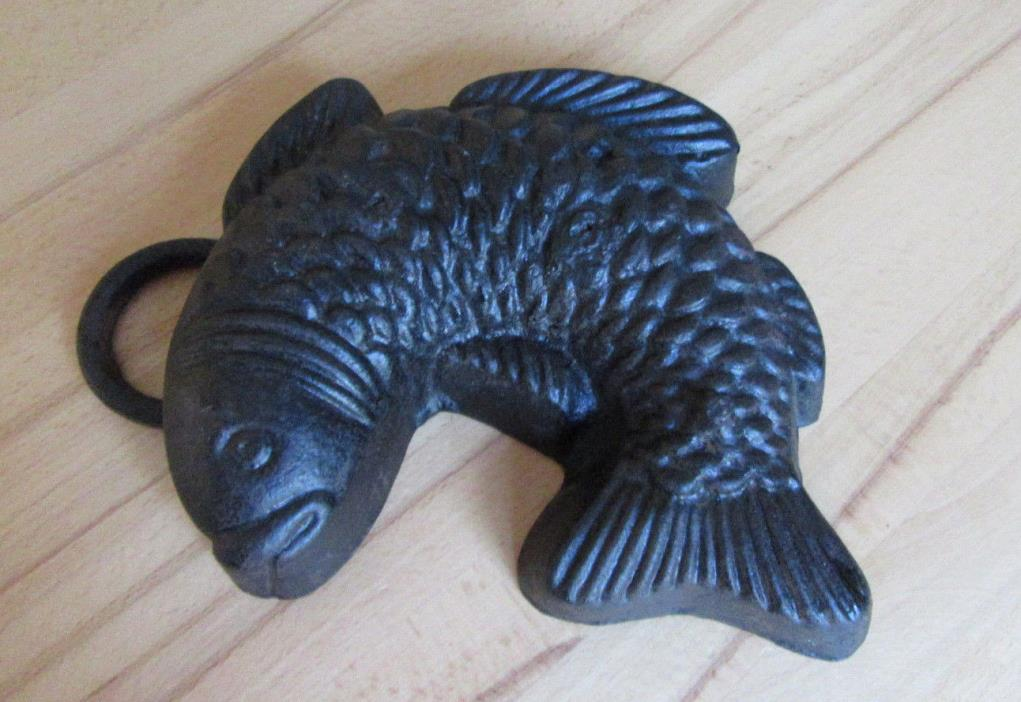 Antique bundt cake pan iron fish heavy