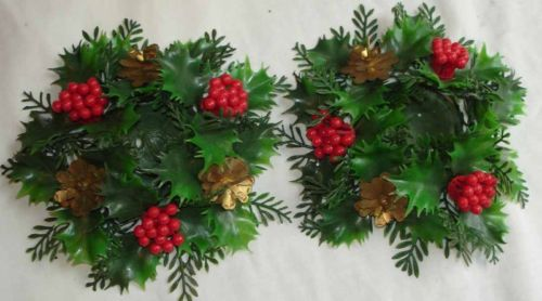 VINTAGE 2 PLASTIC HOLLY & BERRIES VOTIVE CANDLE RINGS