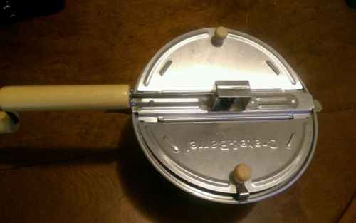 Crate and Barrel Hand Crank Stove Top Popcorn Popper Pan